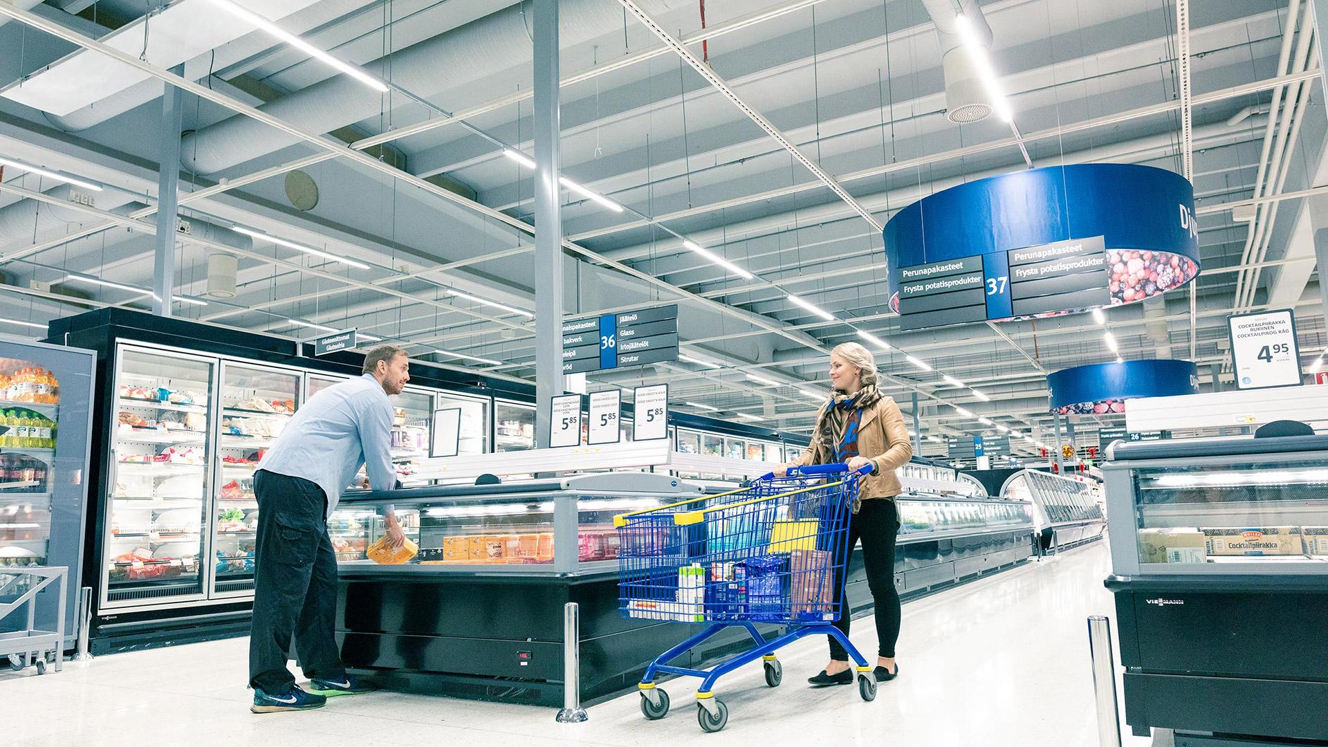 Smart store lighting boosts sales and brings savings